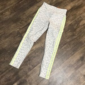 Leopard print work out leggings size small